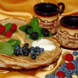 Пазл онлайн: Блины с ягодами