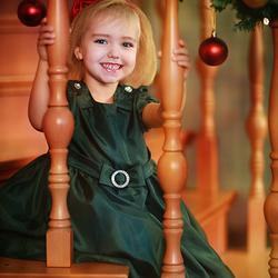 Пазл онлайн: Рождественская девочка