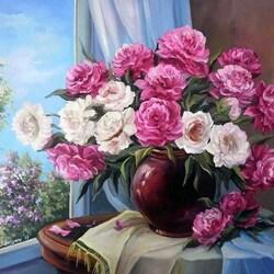 Пазл онлайн: Цветы у окна
