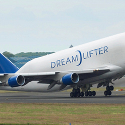 Jigsaw puzzle: Boeing 747 Dreamlifter