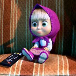 Пазл онлайн: Маша смотрит телевизор
