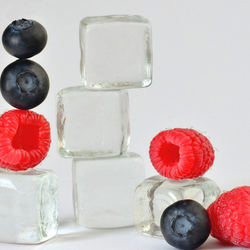 Пазл онлайн: Лед и ягоды