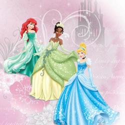 Пазл онлайн: Принцессы Ариэль, Тиана и Золушка в красивых платьях