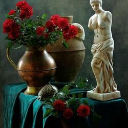 Пазл онлайн: Натюрморт с Венерой и розами