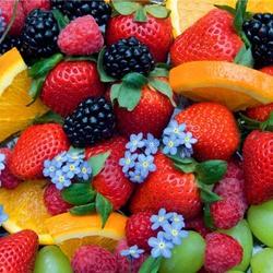 Пазл онлайн: Фрукты, ягоды и незабудки