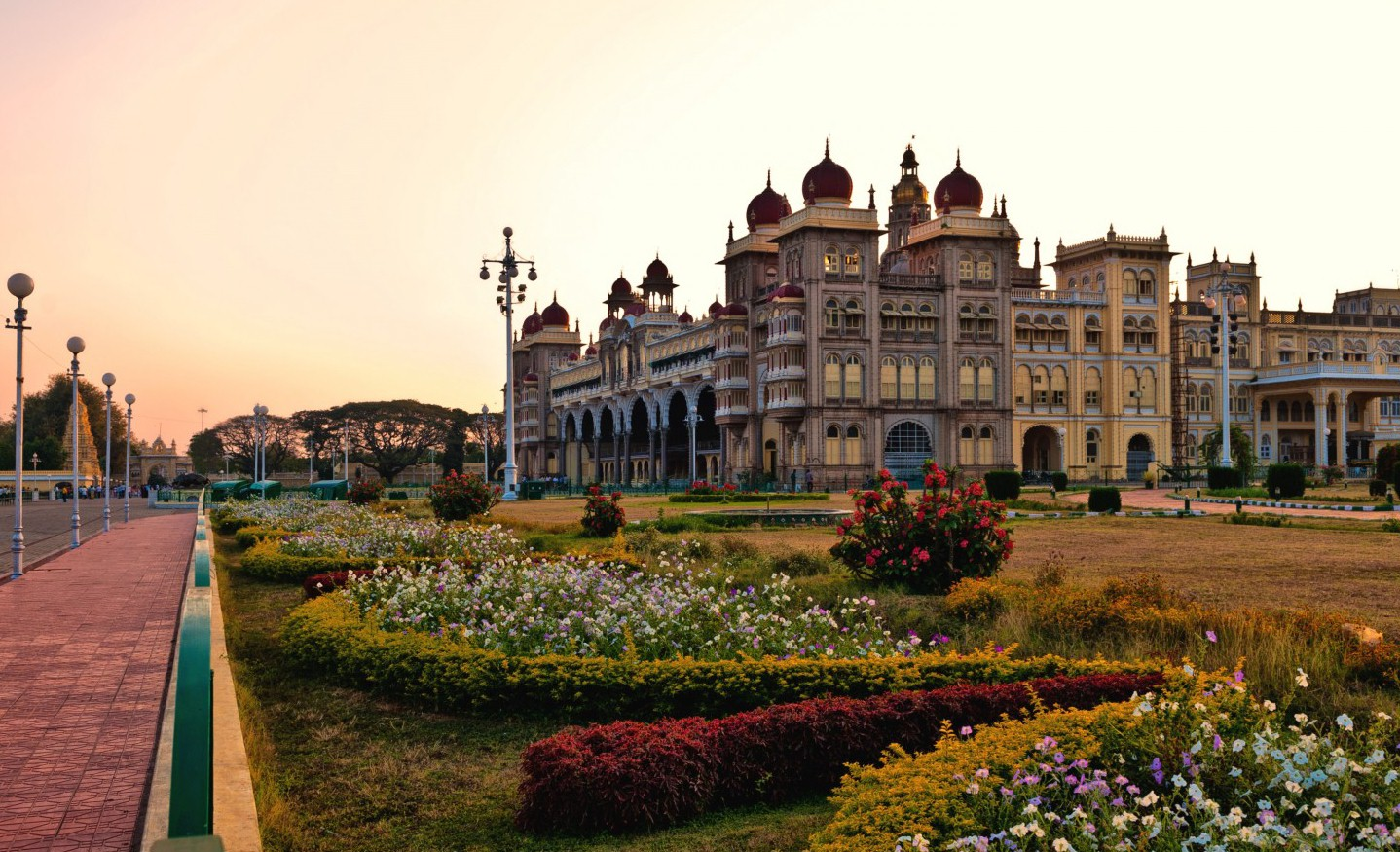city of palaces mysore Mysuru is the former capital of the erstwhile wodeyars and the state of mysuru mysuru is also known as the city of palacesabode of untold grandeur and glory, where the rich heritage of the wodeyars is carefully preserved to this day in its magnificent palaces, gardens, broad shady avenues and sacred temples.