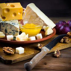 Пазл онлайн: Сырный уголок