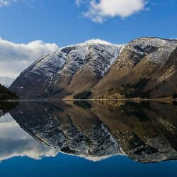 Пазл онлайн: Панорама гор и Улвикфьорда в западной Норвегии