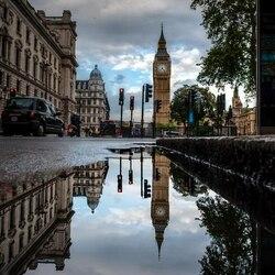 Пазл онлайн: Отражение Лондона