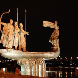 Пазл онлайн: Ночной Киев