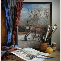 Пазл онлайн: Натюрморт с вышитой картиной