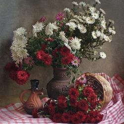 Пазл онлайн: Натюрморт с хризантемами