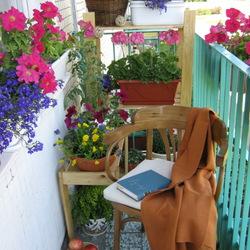 Пазл онлайн: Уютный балкончик