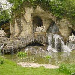 Пазл онлайн: Красивый фонтан