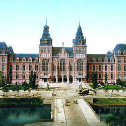 Пазл онлайн: Национальный музей в Амстердаме