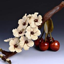 Пазл онлайн: Ветка вишни
