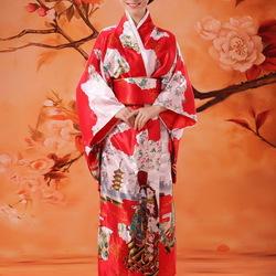 Пазл онлайн: Девушка в японском костюме