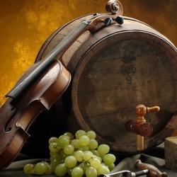 Пазл онлайн: Вино и скрипка