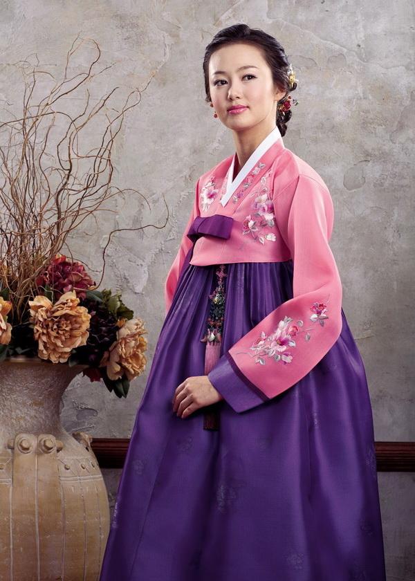 Корейский Женский Национальный Костюм