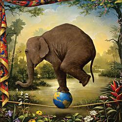 Пазл онлайн: Под слоном