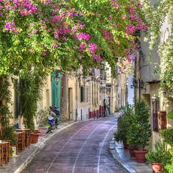 Пазл онлайн: Улочка в Афинах