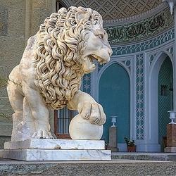 Пазл онлайн: Фрагмент дворца графа Воронцова. Крым