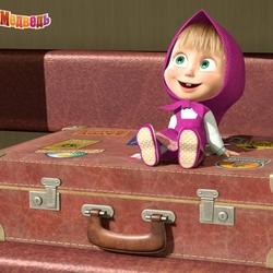 Пазл онлайн: Маша на чемодане