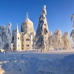 Пазл онлайн: Крестовоздвиженский собор Белогорского Свято-Николаевского монастыря