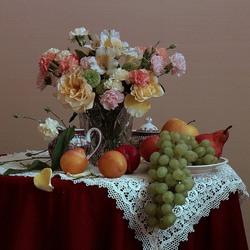 Пазл онлайн: Букет и фрукты
