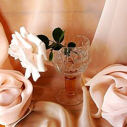 Пазл онлайн: Роза в бокале
