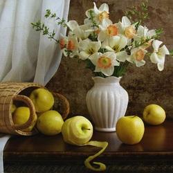 Пазл онлайн: Нарциссы и яблоки