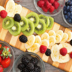 Пазл онлайн: Фрукты и ягоды