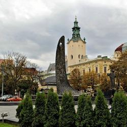 Пазл онлайн: Проспект Свободы. Памятник Т.Г.Шевченку