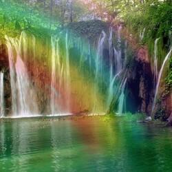 Пазл онлайн: Радуга над водопадом