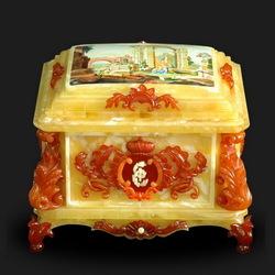 Пазл онлайн: Шкатулка из янтаря