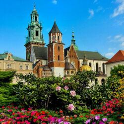 Пазл онлайн: Кафедральный собор святых Станислава и Вацлава в Кракове