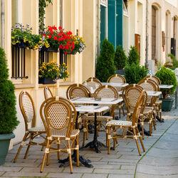 Пазл онлайн: Уличное кафе в Женеве