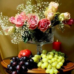 Пазл онлайн: Розы и виноград