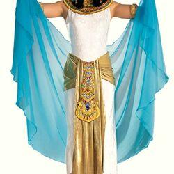 Пазл онлайн: Девушка в театральном костюме