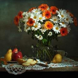 Пазл онлайн: Хризантемы и груши