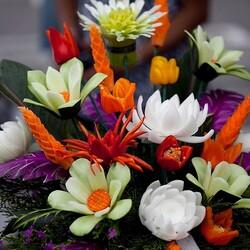 Пазл онлайн: Цветы из овощей