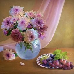 Пазл онлайн: Хризантемы и виноград