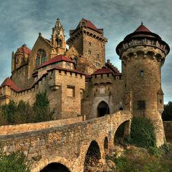 Пазл онлайн: Замок Кройценштайн. Австрия