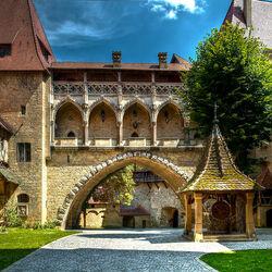 Пазл онлайн: Внутренний двор замка Кройценштайн. Австрия