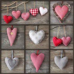 Пазл онлайн: Коллаж с сердечками
