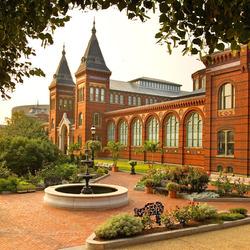 Пазл онлайн: Смитсоновский институт в Вашингтоне