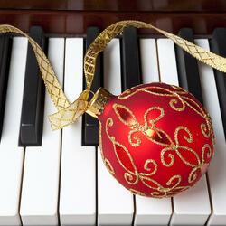 Пазл онлайн: Музыка праздника