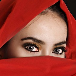 Пазл онлайн: Восточные глаза