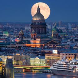 Пазл онлайн: Суперлуние 2014 в Санкт-Петербурге