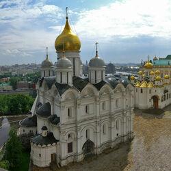 Пазл онлайн: Храм Архангела Михаила в Москве